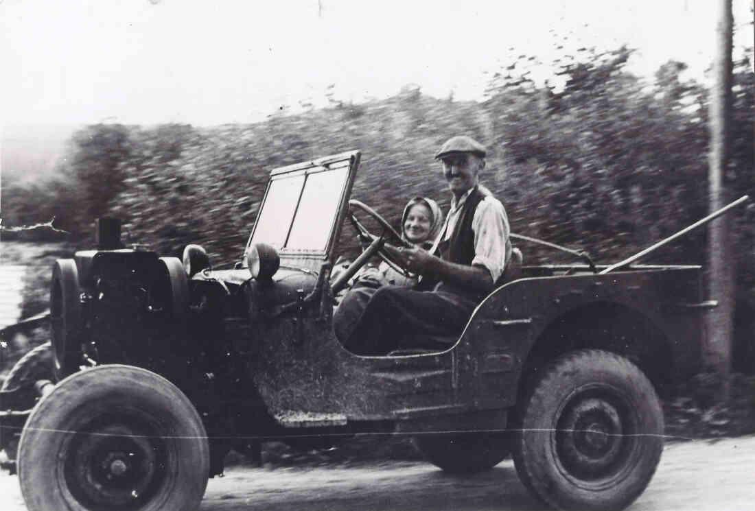Jeep mit Standmotor - Herr Ludwig Sokol