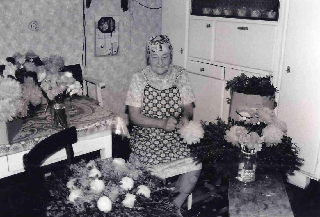 Die Blumenbinderin - Frau Irma Kirnbauer